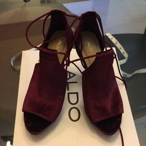 Aldo Tilley Suede like/dark maroon red color size8